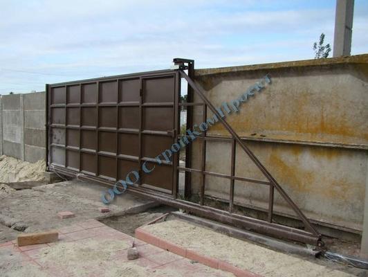 Видео производства откатных ворот конструкция консольных ворот механол